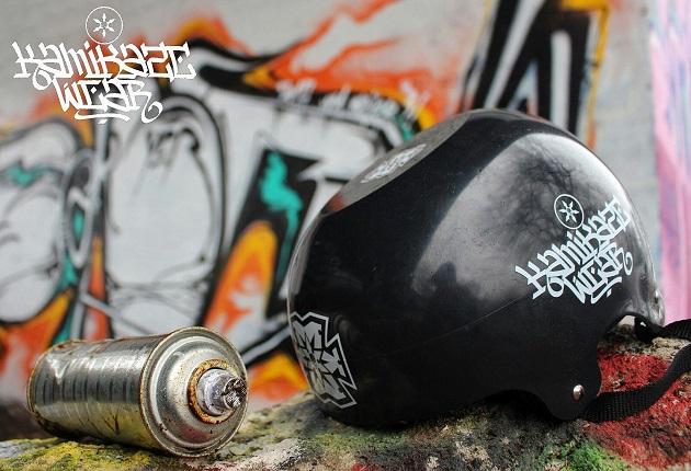 Breakdance Helm