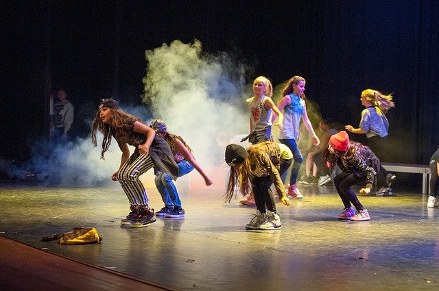 Breakdance Tanzausbildung – Toprock, Downrock, Power Moves and Freezes